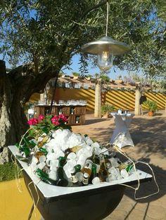 Nuestra bañera de cervezas fresquitas!!  952 378 552 - malaga@laborraja.com