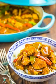 Chicken Satay Curry - Pinch Of Nom Slimming Recipes Unislim Recipes, Curry Recipes, Cooking Recipes, Healthy Recipes, Healthy Foods, Recipies, Dinner Recipes, Slimming World Chicken Recipes, Slimming Recipes