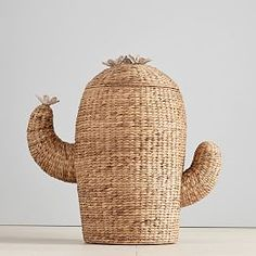 With no need for water and always looking for a high-five, this clever cactus-shaped lamp is on point. Crafted from metal and mango wood, its base mimics saguaro and barrel cactus shapes and comes with a classic white linen shade. Retro Home Decor, Diy Home Decor, Home Decor Accessories, Decorative Accessories, Cactus Decor, Cactus Cactus, Indoor Cactus, Cacti, Indoor Plants