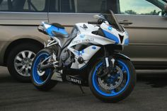 Anyone have a pearl stardust white Ninja with blue rim tape and possibly blue levers? I have red accents, but blue is my favorite color, thinking of. Ninja Motorcycle, Ninja Bike, Blue Accents, Sport Bikes, Road Bike, Motor Car, Motorbikes, Favorite Color, Honda