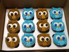 Ingredients 3 cups all-purpose flour 2 cups white sugar cup unsweetened cocoa powder 2 teaspoons baking soda 1 teaspoon salt 2 eggs Cupcakes Design, Owl Cupcakes, Cute Cupcakes, Baking Cupcakes, Cupcake Cookies, Owl Cupcake Cake, Owl Cookies, Birthday Cupcakes, Party Treats