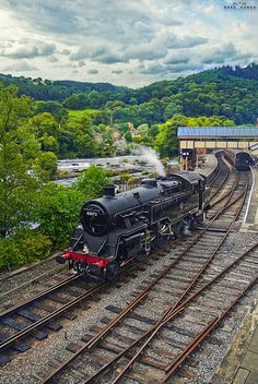 View of the Llangollen train, and views of the North Wales country side. Steam Trains Uk, Old Steam Train, Liverpool Docks, Heritage Railway, Old Trains, Vintage Trains, Steam Railway, Train Times, Train Pictures