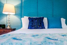 Turquoise is an envelope, refreshing and calming color. Calming Colors, Envelope, Tapestry, Turquoise, Boutique, Make It Yourself, Bed, Furniture, Design