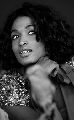 Sarah Martins Sara Martins, I Love Black Women, Black Girls, Gorgeous Women, Death In Paradise, Star Wars, French Actress, Female Stars, Ebony Beauty