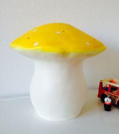 paddestoel lamp vliegenzwam geel