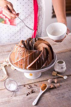 Bundt Cake de Jengibre @DeliciousHome -> https://homedelicioushome.com/2017/12/06/bundt-cake-de-jengibre/ Gingerbread Bundt Cake