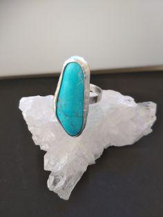 Tyrkenitový prsteň z chirurgickej ocele Gemstone Rings, Turquoise, Gemstones, Jewelry, Jewlery, Gems, Jewerly, Green Turquoise, Schmuck
