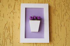 Quadro em MDF decorado com mini rosas. Ideal para deixar seu cantinho encantador. Linda peça para presente. R$ 35,00