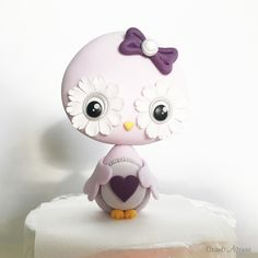 Little owl Owl Cake Toppers, Fondant Toppers, Cake Decorating Videos, Cake Decorating Techniques, Cake Topper Tutorial, Icing Tips, Little Owl, Sugar Craft, Fondant Figures