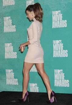 Kate Beckinsale Turning Heads at the Movie Awards