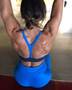 4 Back Workout Plan To Help Sculpt Sexy Back & Shoulder – Lasting Training dot Com Dumbbell Shoulder, Shoulder Exercises, Fitness Motivation, Fitness Tips, At Home Workouts, Gym Workouts, No Excuses Workout, Back And Shoulder Workout, Sport