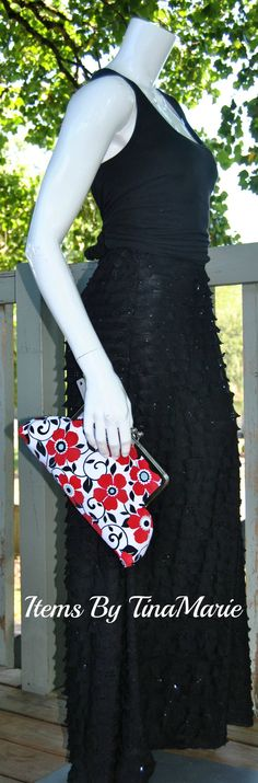 XLarge Kiss Lock Clutch by itemsbyTinaMarie on Etsy, $45.00