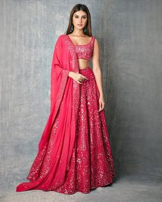 giving us major Wedding Outfit Goals with her Splendid Mirror work Pinkish Lehenga. Indian Fashion Dresses, Indian Bridal Outfits, Indian Gowns Dresses, Dress Indian Style, Indian Designer Outfits, Lehenga Choli Designs, Designer Bridal Lehenga, Indian Lehenga, Pink Lehenga