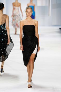Monique Lhuillier Printemps/Eté 2016, Womenswear - Défilés (#22612)