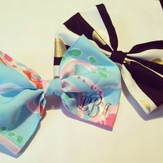 Two new bows are available in the shop! Get your Jellies be Jammin and Kate Spade inspired bows now! You can even add your monogram to the Lilly bow! #lillypulitzer #katespade #bows #hair #new #jelliesbejammin