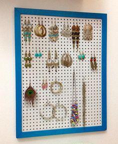 Expositor e organizador de bijus