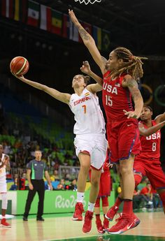 Alba Torrens of Spain attempts a lay up past Brittney Griner of United States during the women's basketball game on Day 3 of the Rio 2016 Olympic Games at the Youth Arena on August 2016 in Rio de Janeiro, Brazil. Basketball Quotes, Basketball Drills, Basketball Uniforms, Basketball Players, Girls Basketball, Brittney Griner, Tomboy Girl, Cycling Tips, Road Cycling