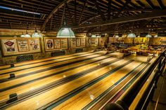 It's hard to imagine a more stylish redo of a vintage bowling arcade than this one. LA's new Highland Park Bowl is a masterwork of preservation after a lane-to-ceiling overhaul by 1933 Group owners owners Bobby Green, Dimitri Komarov, and Dmitry Liberman. Bowling, Highland Park Bowl, Man Cave And She Shed, Expensive Houses, Dark Interiors, Historical Architecture, Log Homes, Interior Design Inspiration, Restoration