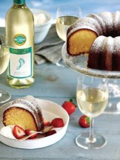 With the holidays approaching, I thought I'd share some recipes that I make every year! Love Moscato? Heck, even if you don't, this cake will surely wow all
