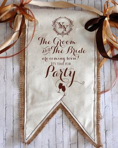 海外の花嫁インスタグラマーに学ぶ♡会場装飾に活用したい『ウエディングフラッグ』のお洒落デザイン9選* | marry[マリー]