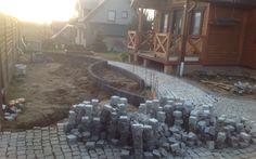 Realizacja kolejnego projektu – nawierzchnia z granitu – w trakcie prac
