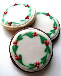 Iced Christmas Sugar Cookies- easy to create, delicious to eat, great gifts! Chocolate Covered Oreos and Iced Christmas Sugar Cookies, with easy to create designs, make beautiful gifts and delicious holiday treats! Christmas Cookies Gift, Christmas Sweets, Christmas Cooking, Noel Christmas, Decorated Christmas Cookies, Easy Christmas Cookies Decorating, Christmas Recipes, Christmas Chocolate, Decorated Sugar Cookies
