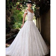 Awe-inspiring bridal design of @ramisalamoun. Ultra fab. #RamiSalamoun #bridaldesigner #aweinspiring #weddingdress #bridalgown #weddinggown #instabride #weddinginspiration #spring2016 #love #wedding #bridal #bridaldesigner #bridaldress #wedding #hautecouture