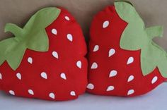 Felt Strawberry Picnic Pillow DIY PDF Pattern by sewlovetheday Cute Pillows, Baby Pillows, Throw Pillows, Bolster Pillow, Felt Crafts, Diy And Crafts, Sewing Crafts, Sewing Projects, Felt Pillow