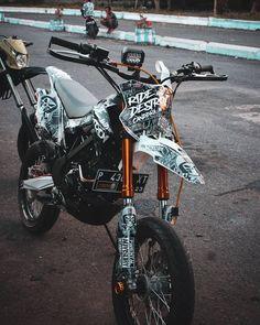 Ktm Dirt Bikes, Cool Dirt Bikes, Dirt Bike Gear, Motorcycle Gear, Dirt Biking, Motorcycle Quotes, Dirt Bike Videos, Motard Bikes, Grom Bike