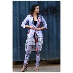 Bollywood Actress Hot Photos, Indian Actress Hot Pics, Beautiful Bollywood Actress, Beautiful Indian Actress, Indian Actresses, Best Heroine, Actress Navel, Attractive Girls, Indian Designer Outfits
