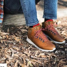 #Repost @clae  40% off .  Build with agility and charm in mind the 'Robinson' shown here in Grizzly Leather takes on the classic hi-top hiking boot incorporating a neoprene tongue for maximum comfort along with a TPU heel stabilizer that keeps your feet firmly planted on the ground whether its a single trail or concrete. #CLAE  #ClaeRobinson #mensfootwear #leather #claeallday #hikeboot