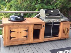 DIY BBQ from recycled pallet boards