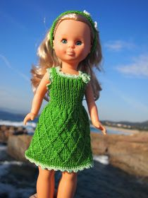 Tengo una muñeca vestida de azul: Vestido de punto verde para Nancy