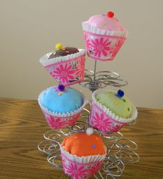 Sweet CUSTOM MADE onesie cupcakes by CAROLENAsCURLs on Etsy, $3.00