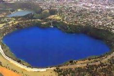 This is the Blue Lake. (My home town) South Australia. Always blue! Wonderful Picture, What A Wonderful World, Holiday Planner, South Australia, Continents, Science Nature, Wonders Of The World, New Zealand, Road Trip