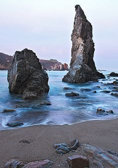 """El Silencio"" Beach, in Asturias (Spain) doesn't have road access: To get there… Most Beautiful Beaches, Beautiful Places, Aragon, Places To Travel, Places To See, Places Around The World, Around The Worlds, Asturian, Asturias Spain"