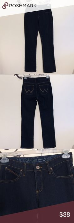"""NWOT Q Baby Booty Up jeans by Wrangler 👑• All reasonable offers accepted only through """"offer"""" button, NO lowballs please  👑• Bundle 3 or more items from this closet for an additional 10% off!  👑• No modeling, holds or trades! Sorry for the inconvenience  👑• All items are from a smoke free home  👑• New listings added weekly, make sure to check back often! I carry various sizes/brands ❤️Thank you for shopping my closet❤️                •Happy Poshing• Wrangler Jeans Boot Cut"""
