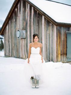 #winter  Photography: Kelli Lyn Photography - www.kellilynphotography.com  Read More: http://www.stylemepretty.com/2014/04/03/colorado-new-years-eve-wedding-at-devils-thumb-ranch/