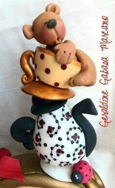 Jarra taza y oso