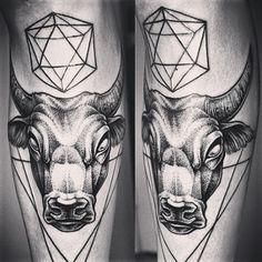 bull-face-men-leg