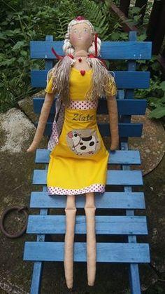 textilní panenka.....moje práce výška 65cm náplň Pes kuličky