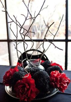 31 Beautiful Halloween Wedding Centerpieces Weddingomania | Weddingomania
