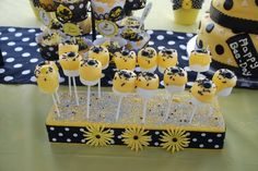 Bee Marshmallows. Hostess with the Mostess® - Bumble Bee Party