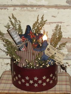 Primitive Americana Arrangement with Stars and Electric light Americana Crafts, Patriotic Crafts, Country Crafts, Primitive Crafts, Country Primitive, Primitive Snowmen, Primitive Christmas, Country Christmas, 4th July Crafts