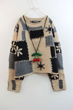 Crochet (Crochet Clothes) _ Stupid Feifei Photo Album – Pile of Gilet Crochet, Crochet Coat, Crochet Clothes, Recycled Sweaters, Hand Knitted Sweaters, Fall Sweaters, Crochet Fashion, Knitting Designs, Pulls