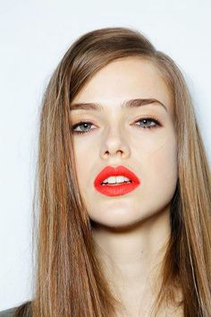 Coral lips and bare face. Makeup. Coral lips. Makeup for blondes. Long straight hair.