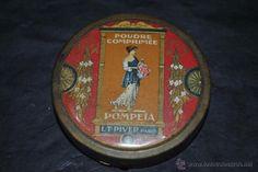 ANTIGUA CAJA O POLVERA EN LATON MARCA POMPEIA POUDRE COMPRIMEE L.T. PIVER PARIS 1920 (Antigüedades - Moda - Complementos - Mujer - Polveras Antiguas)