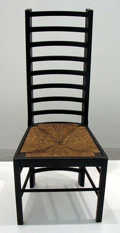 De stoelenmatter vlecht alleen de zitting. Het is arbeidsintensief werk, vandaar dat het beroep van stoelenmatter in de westerse landen grotendeels is uitgestorven. Naast de belangstelling van hobbyisten om dit ambacht uit te oefenen, bestaan er velen die zich professioneel bezighouden met het restaureren van oude meubelen en hun matten. Tegenwoordig zijn er moderne kunststoffen, waarvan machinaal vlechtwerk wordt gemaakt en toegepast voor goedkopere meubels. #Siepelmarkten