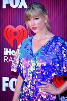 Taylor Swift Single, Taylor Swift Album, Taylor Swift Quotes, Taylor Alison Swift, Kim Kardashian Husband, Kardashian Family, Begin Again, Taylor Lautner, Hannah Montana