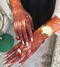 Engagement Mehndi Designs - Engagement ceremony is another traditional yet exciting plus energizing pre-wedding ceremony on which Mendini is given equivalent significance as every single other custom and rituals in the Asian subcontinent. Latest Henna Designs, Simple Arabic Mehndi Designs, Mehndi Designs For Girls, Mehndi Designs 2018, Mehndi Designs For Beginners, Modern Mehndi Designs, Dulhan Mehndi Designs, Mehndi Designs For Fingers, Wedding Mehndi Designs
